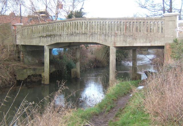 Lane bridge over River Gipping