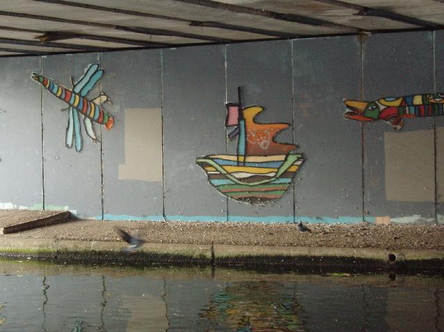 Mural under A40 canal bridge
