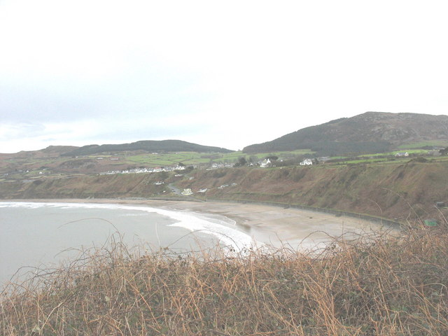 View back along the cliff line towards Nefyn