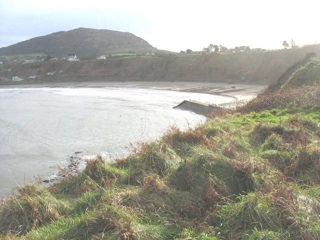 The Porth Nefyn breakwater from Penrhyn Nefyn