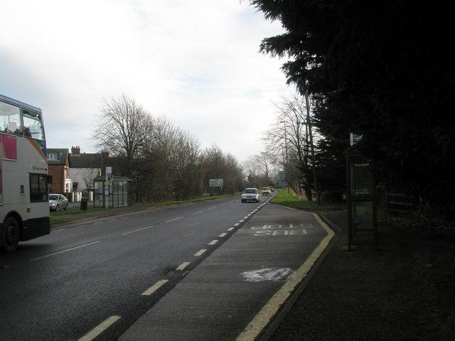 Bus stops at Bosham
