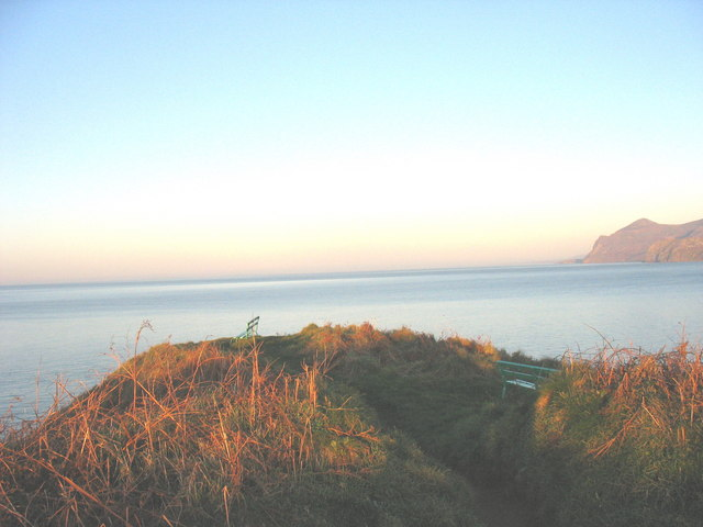 Two seats at the tip of Penrhyn Nefyn