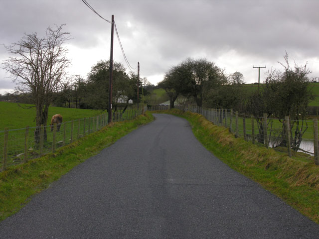 Road heading west from Swyddffynnon