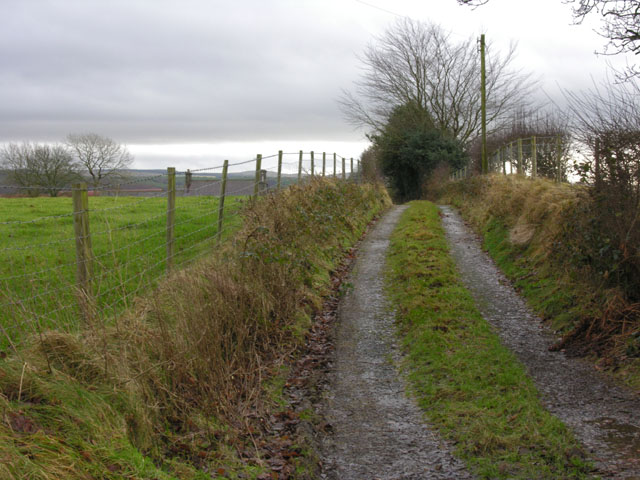 Lane to Swydd farm