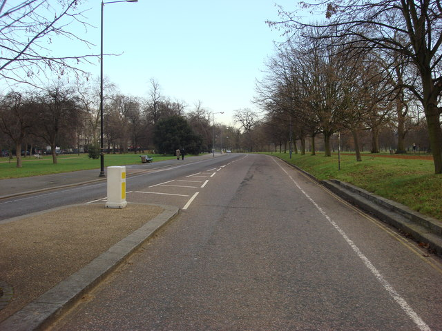 North Carriage Drive, Hyde Park