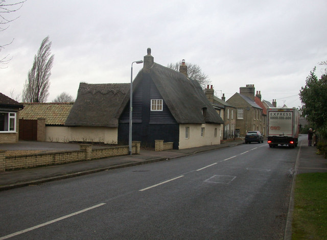 Thatched cottage (1), High Street