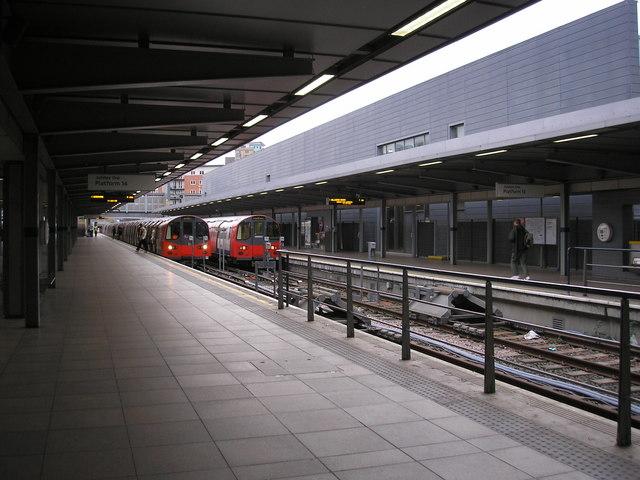 Jubilee Line platforms, Stratford station