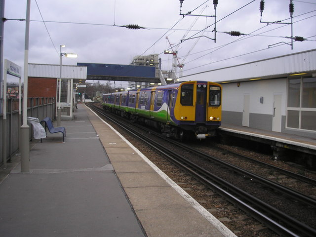 Class 313 train, Hackney Wick station