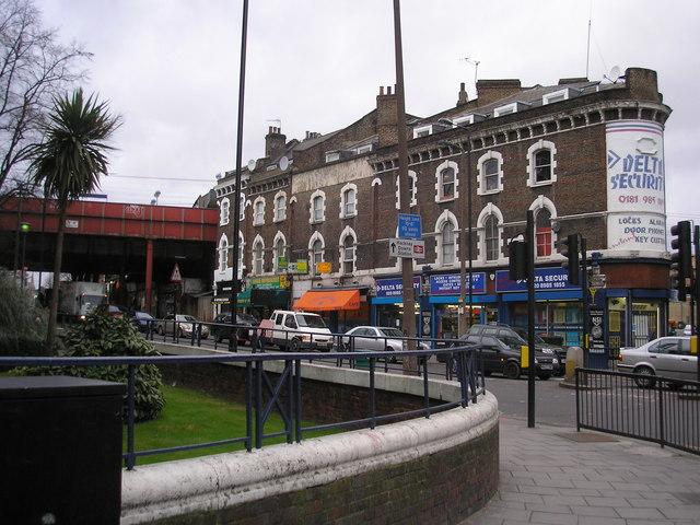Dalston Lane at Amhurst Road crossing