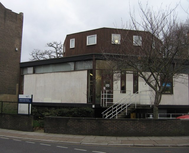 Barons Court Library
