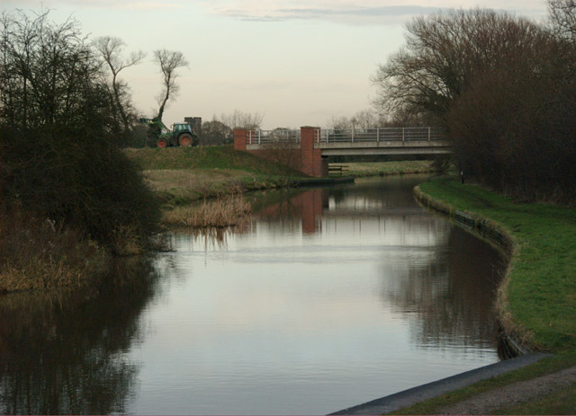Trent & Mersey Canal west of Shardlow