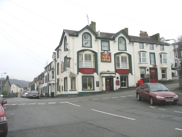 The Tap and Spile public house in Garth Road