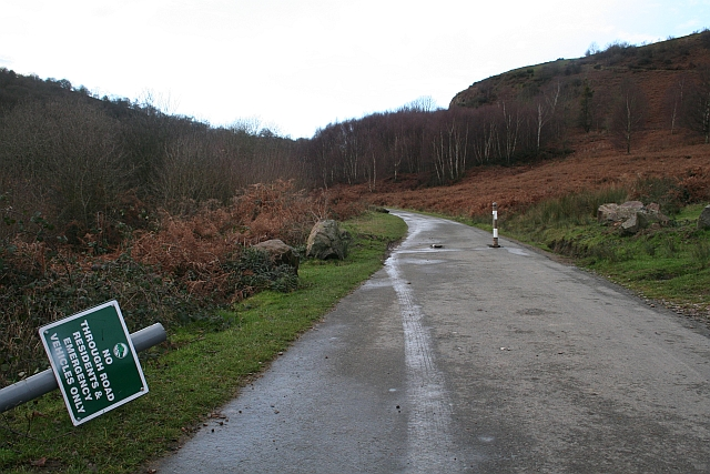 Closed Road to Gullet Quarry