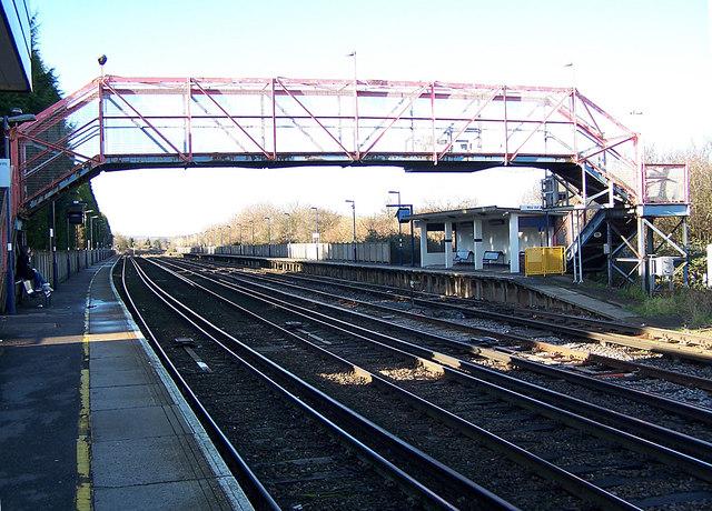 Newington railway station