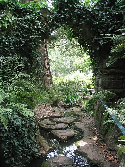 Entrance to the rock garden, Dewstow Gardens