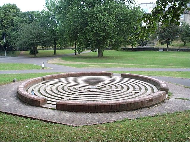 Ornamental maze, Victoria Park