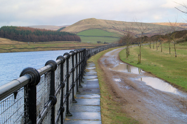 Looking East along the Trans Pennine Trail