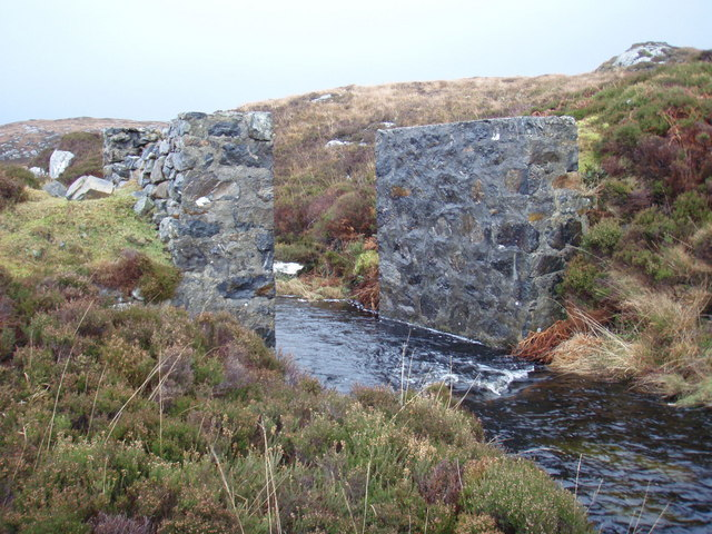 Ruined bridge across the Abhainn Marulaigh