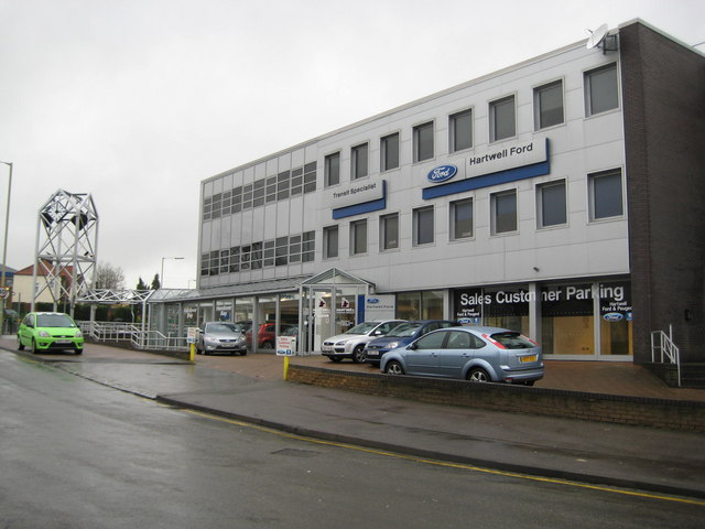Dunstable: Hartwell Ford vehicle dealers