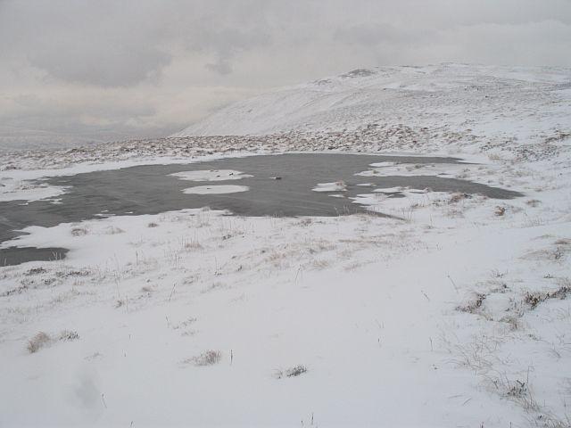 Frozen lochan, Druim Fada