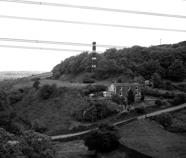 Hole Bottom Lane and 'The' chimney