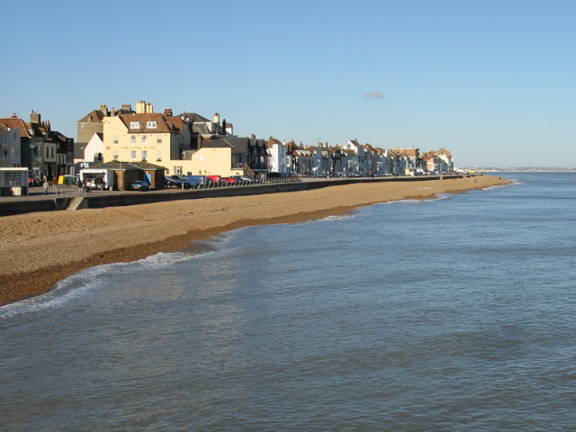 Looking towards the N end of Deal from the pier