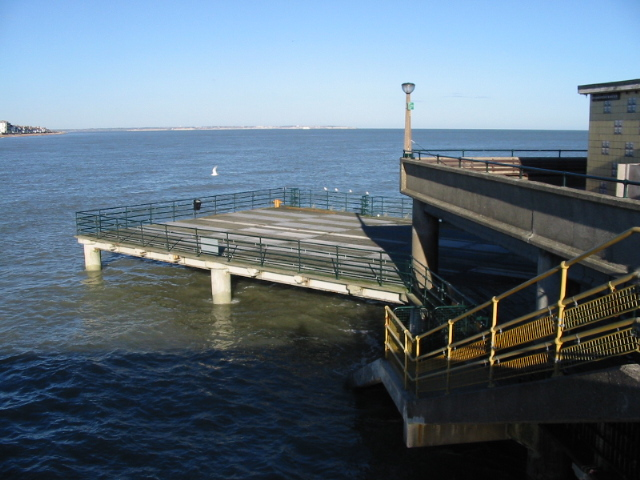 The northern deck at the seaward end of the pier.