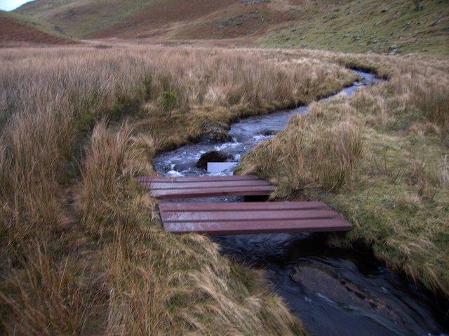 Footbridge across Nant Egnant