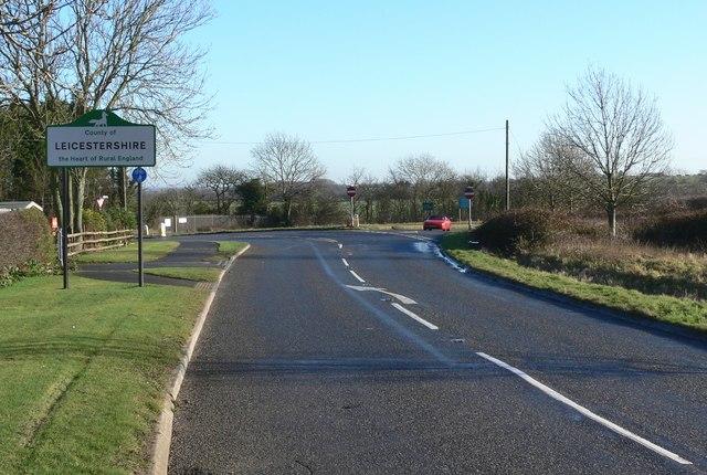 Smockington Lane enters Leicestershire