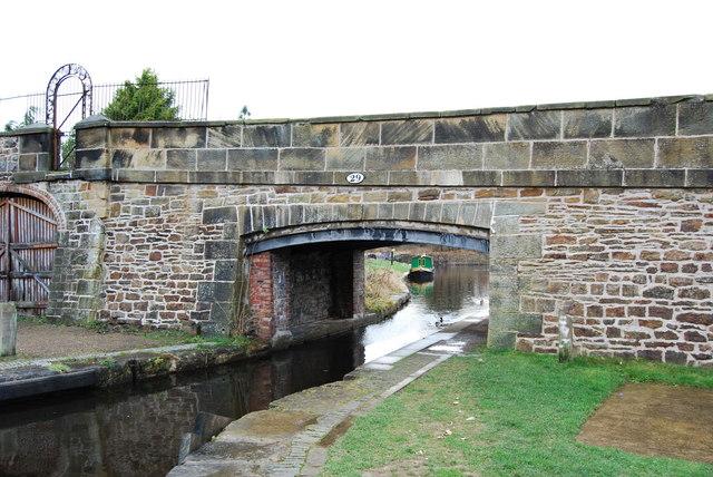 Llangollen Canal Bridge no. 29