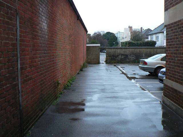 Bournemouth: footpath D10 to Weston Drive