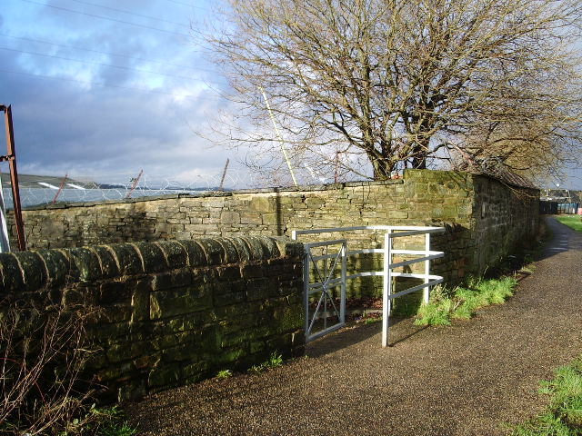 Chequers Canal Entrance