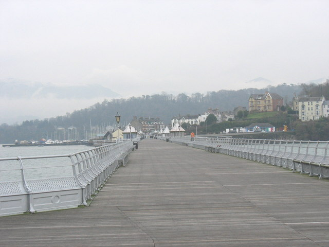 View back towards the entrance to Bangor Pier