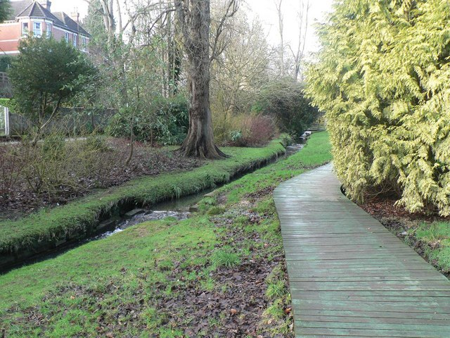 Bournemouth Gardens: elevated walkway