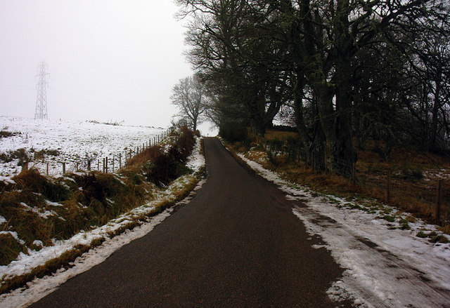 Road past Fanellan