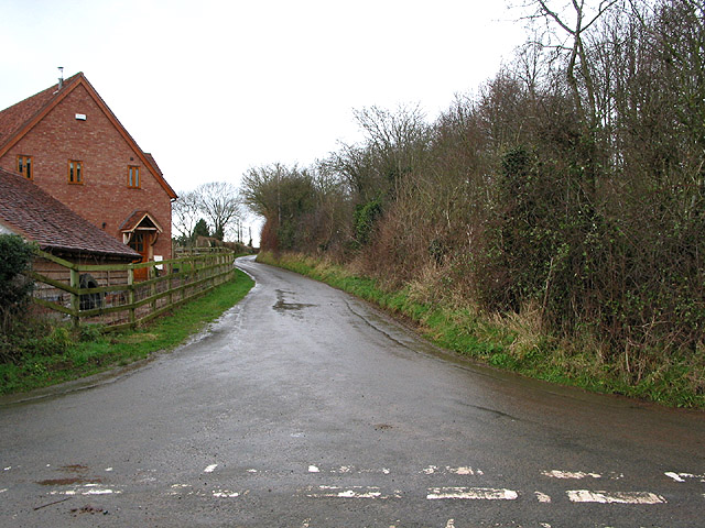 Country road to Waller's Green