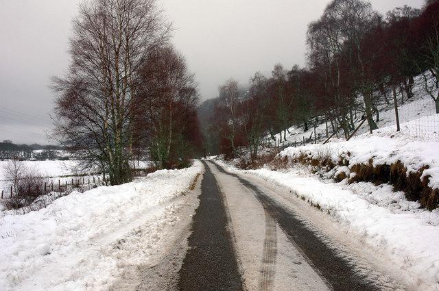 Minor road near Easter Crochail