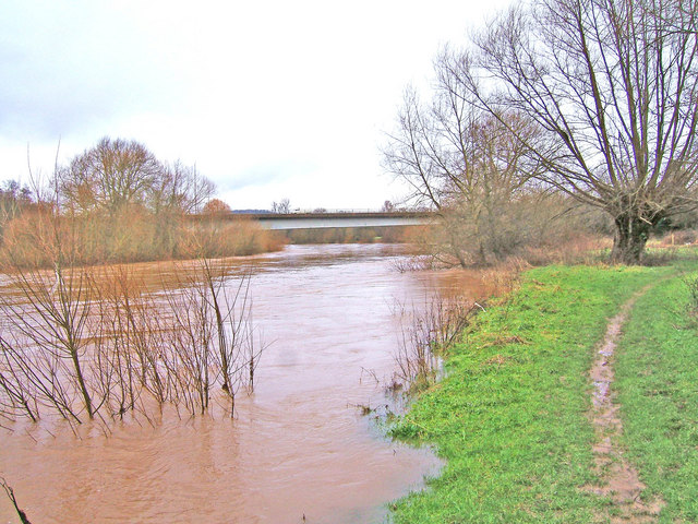 High water on River Severn near Bewdley bypass bridge
