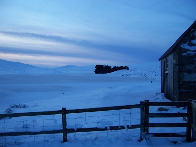Building at frozen Loch Con