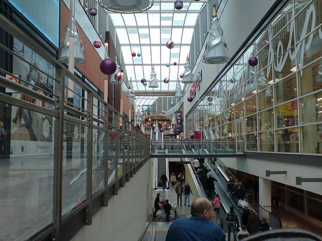 Moving walkways, St Stephen's Centre