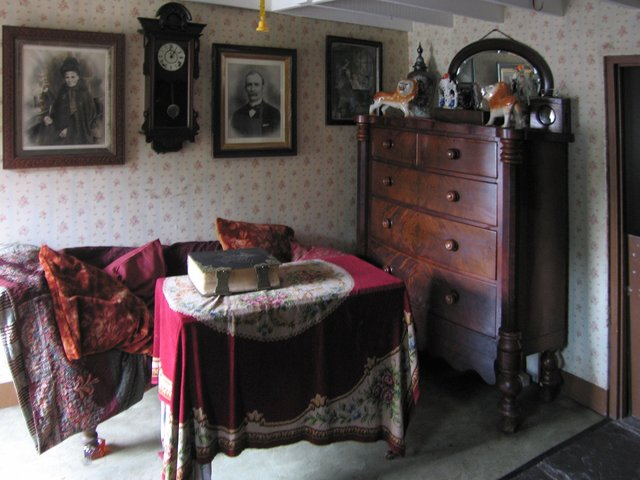 Interior of late 19th century terraced house - National History Museum of Wales, St Fagans