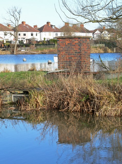 Ashby Canal and lake