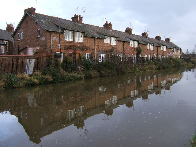 Water side terraced houses