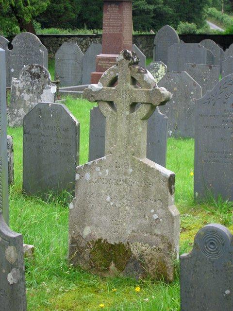 Llanfihangel y Pennant gravestone