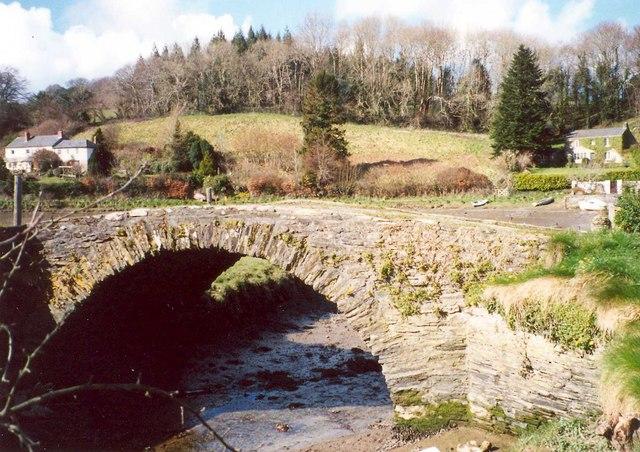 Bridge over a creek, St Veep