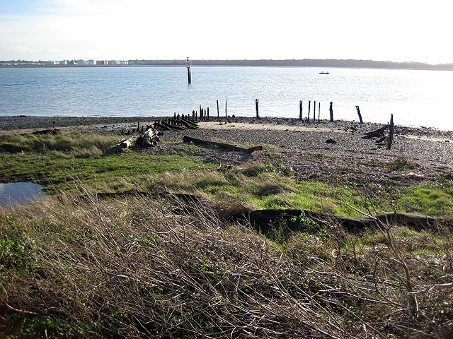 Abandoned jetty at Erwarton Ness