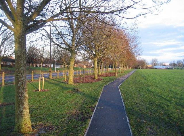 Footpath along Winklebury playing fields