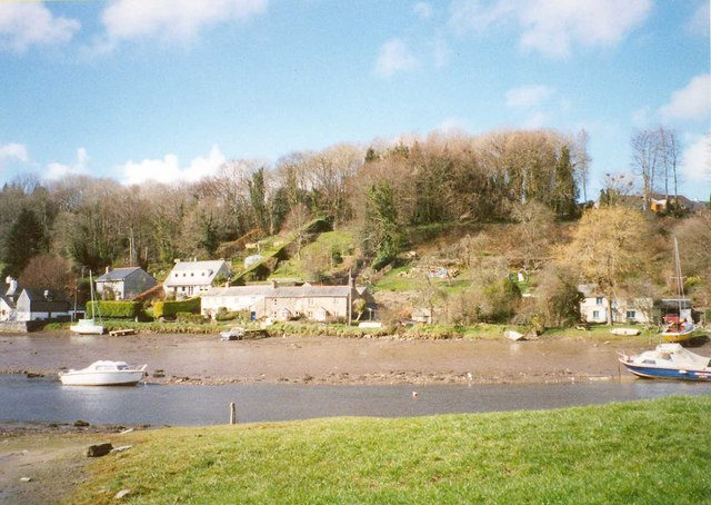The St Winnow side of Lerryn from the St Veep side