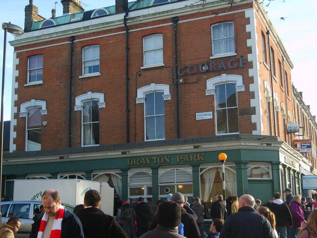 Drayton Park pub