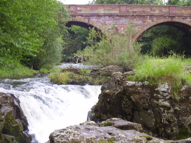 River Tyne crashing through rocks  at East Linton, East Lothian